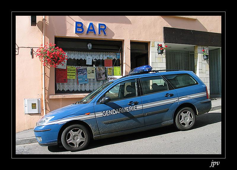 http://jpvhfr.free.fr/images/gendarmerie-nationale.jpg