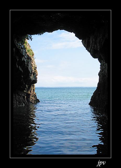 http://jpvhfr.free.fr/images/grotte-marine.jpg